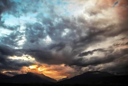 langit mendung