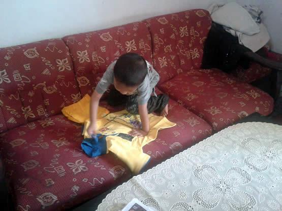 syaikhan dan baju kuning favoritnya