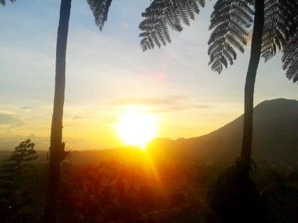 Sunset, Gunung Lokon di Bukit Doa
