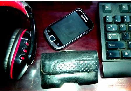 sarung handphone