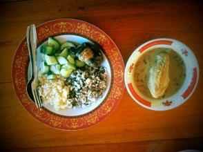 Pangkalanbun : Nasi Tiwul dan Nasi Jagung Plus Lauk