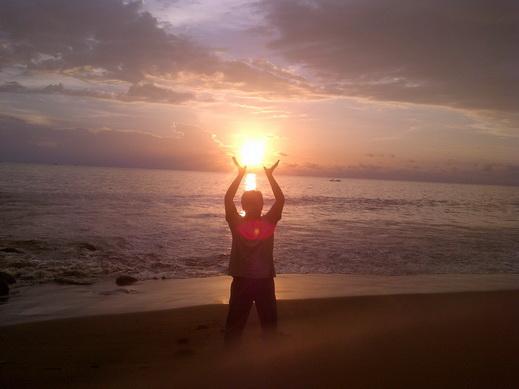 Menggapai Matahari