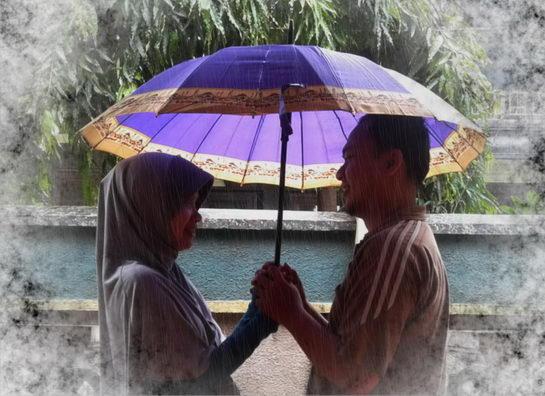 berdua di bawah payung