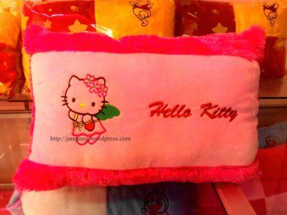 bantal kecil Rp. 35.000