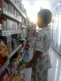 syaikhan belanja di mini market 01