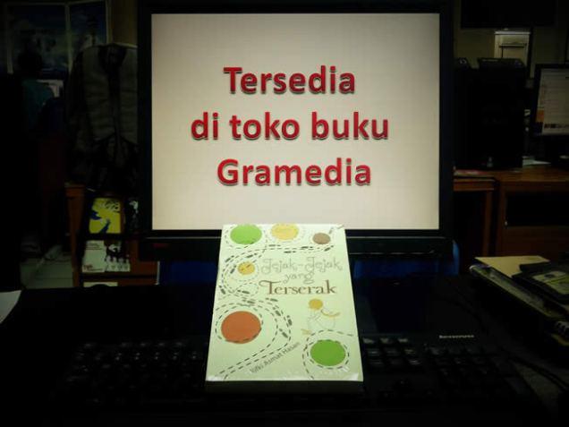 Ada di toko buku Gramedia