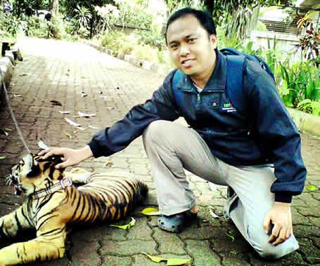 di kebun binatang