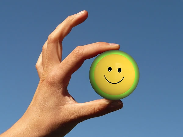 menularkan kebahagiaan
