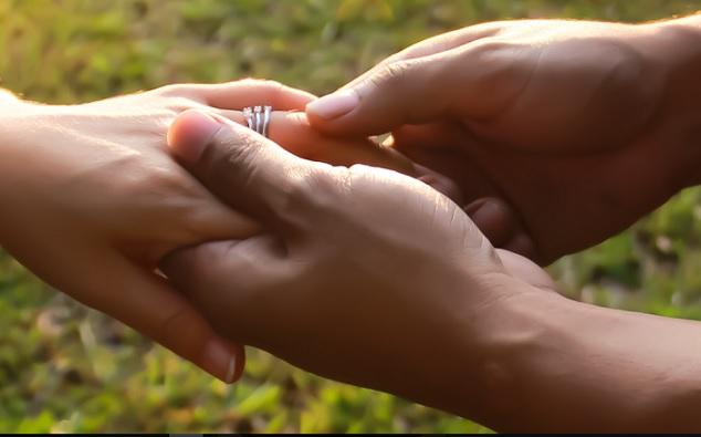 holding_hand